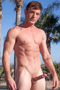 male muscle gay porn star Brent Corrigan | hotmusclefucker.com