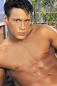 male muscle porn star: Erik Houston, on hotmusclefucker.com