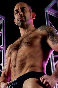 male muscle gay porn star Derek da Silva | hotmusclefucker.com