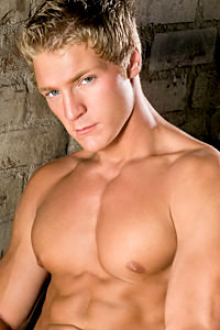 male muscle gay porn star Gavin Waters | hotmusclefucker.com