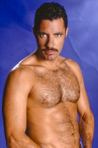 male muscle gay porn star Tom Vacarro | hotmusclefucker.com