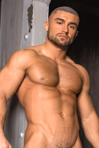 male muscle gay porn star Francois Sagat | hotmusclefucker.com