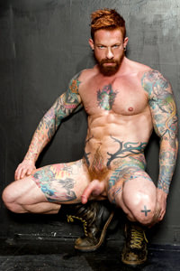 male muscle gay porn star Ian McQueen | hotmusclefucker.com