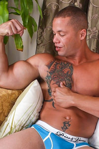 male muscle gay porn star Matthew Rush | hotmusclefucker.com