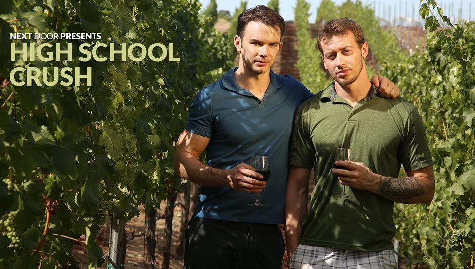 Crush Liceo – Mark Long, Addison Graham (NextDoorBuddies.com)