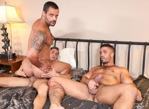 gay muscle porn clip: Tops Don't Like To Share  - Armando De Armas & David Benjamin & Trey Turner, on hotmusclefucker.com