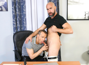 gay muscle porn clip: Performance Review - Damon Andros & Rodney Steele, on hotmusclefucker.com