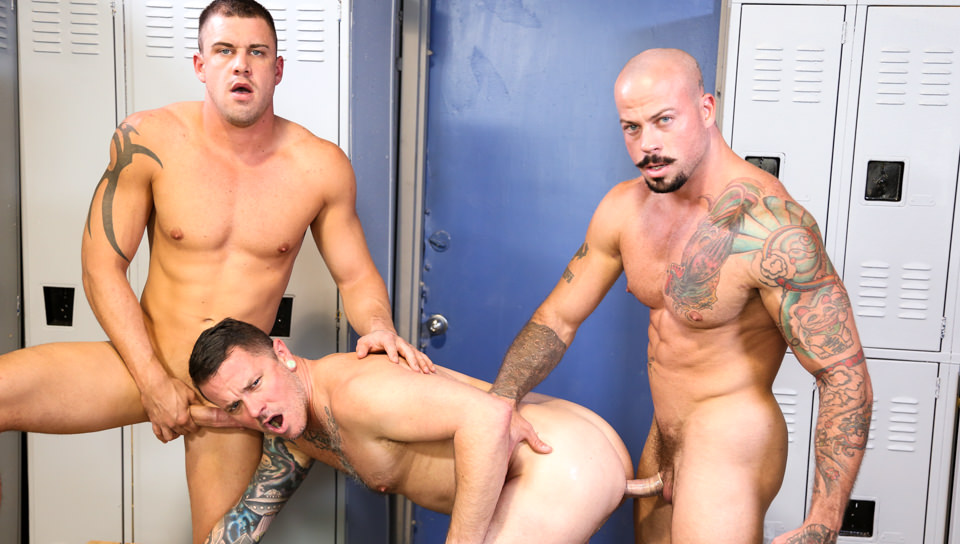 Preso Allungando la bocca – Darin Silvers, Sean Duran, Max Cameron (MenOver30.com)