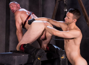 gay muscle porn clip: Pig Alley - D Arclyte & Nate Grimes, on hotmusclefucker.com