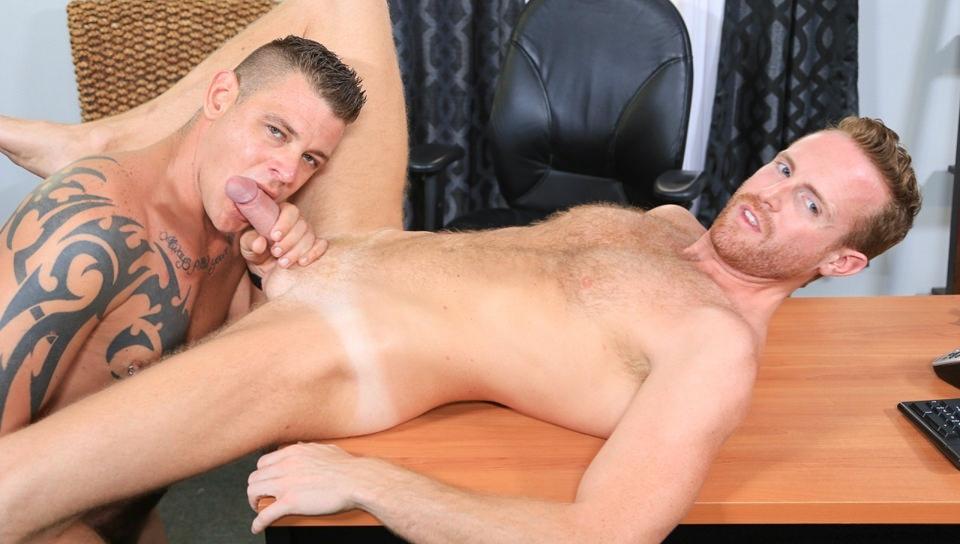 Il mio capo ha un cazzo enorme! – Jace Chambers, Jack Gunther (ExtraBigDicks.com)