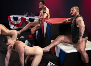 gay muscle porn clip: World Series of Fisting - Axel Abysse & Hugh Hunter & Joey D & Sam Syron, on hotmusclefucker.com