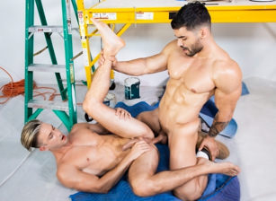 gay muscle porn clip: The Foreman's Son - Arad Winwin & Ian Frost, on hotmusclefucker.com